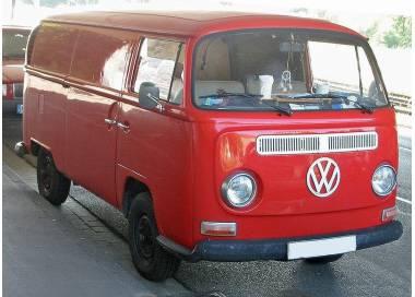 VW Bus T2 avec le siège arrière en une seul partie 1973–1979